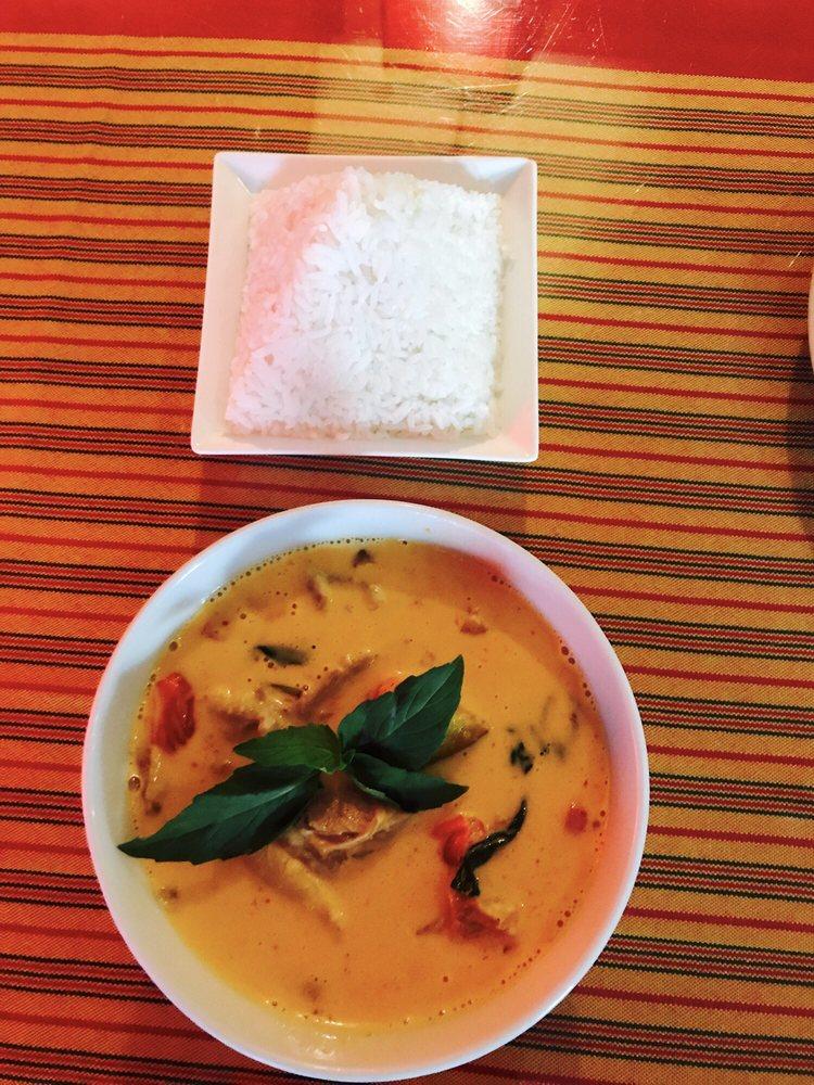 Zenyai Thai Cuisine logo