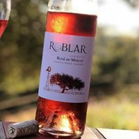 Roblar Winery & Vineyards logo
