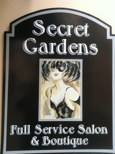 Secret Gardens Salon logo